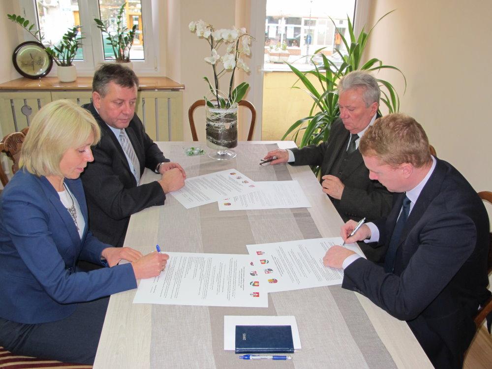 Ilustracja do informacji: Podpisano porozumienie