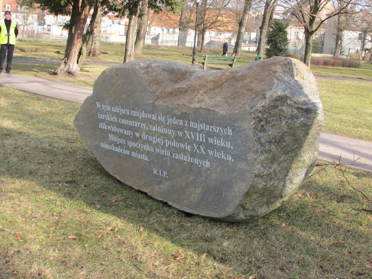 Ilustracja do informacji: Ustawiono pamiątkowy kamień