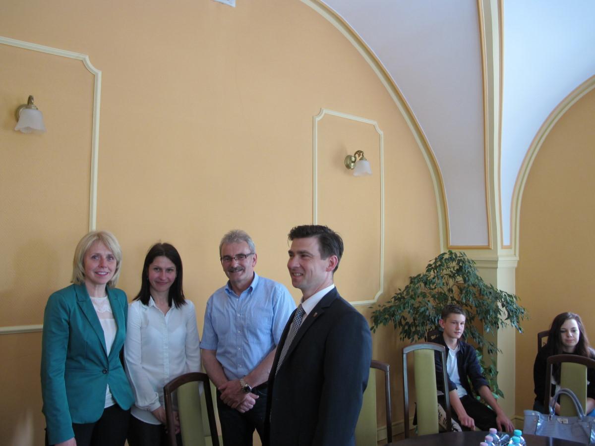 Ilustracja do informacji: Delegacja odwiedziła żarski ratusz