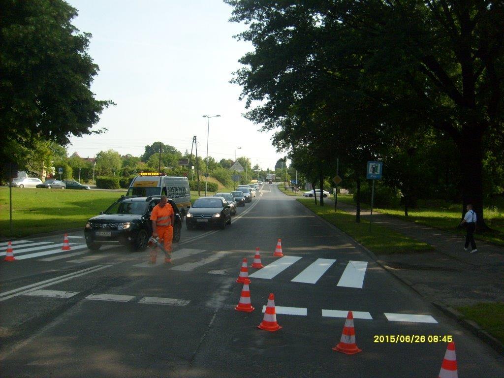 Ilustracja do informacji: Dzisiejsze prace porządkowe na terenie miasta Żary.