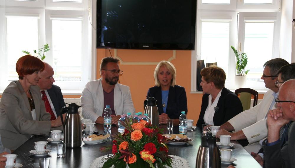 Ilustracja do informacji: Poseł na Sejm RP Beata Szydło z wizytą w Żarach