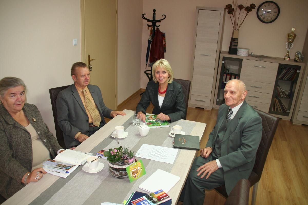 Ilustracja do informacji: Burmistrz spotkała się z działkowcami