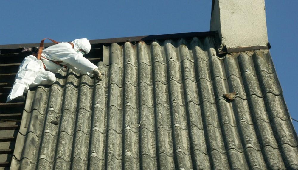 Ilustracja do informacji: Usuwanie azbestu