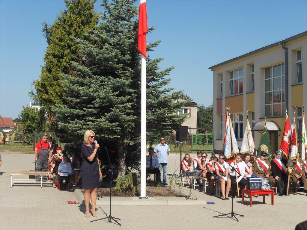Ilustracja do informacji: Miejska Inauguracja Roku Szkolnego 2016/2017 Szkoła Podstawowa nr 8 w Żarach