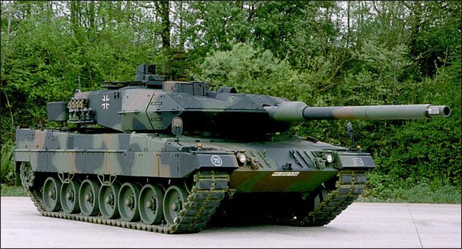 Ilustracja do informacji: Prezentacja sprzętu wojskowego na żarskim rynku