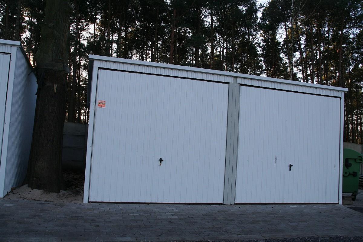 Ilustracja do informacji: Nowe garaże gospodarcze
