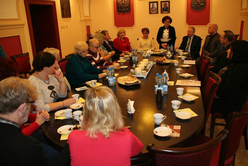 Ilustracja do informacji: Posiedzenie Miejskiej Rady Seniorów