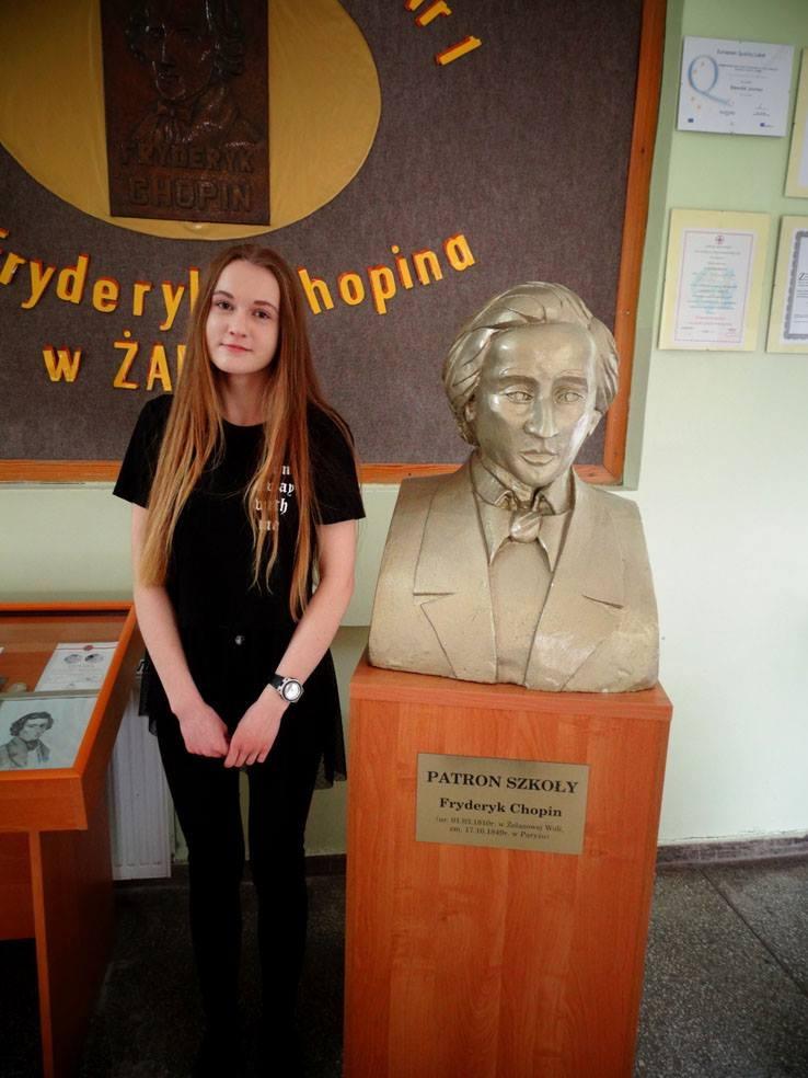 Ilustracja do informacji: Anna Drapała ze Szkoły Podstawowej nr 1 w Żarach laureatką Konkursu Przedmiotowego z Języka Polskiego