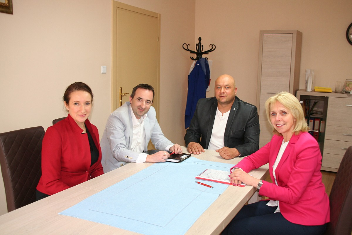 Ilustracja do informacji: Umowa na budowę parkingów turystycznych podpisana