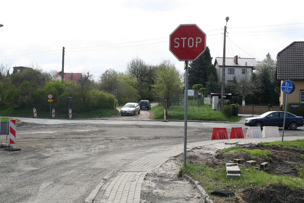 Ilustracja do informacji: Trwa rozbudowa ul. Okrzei