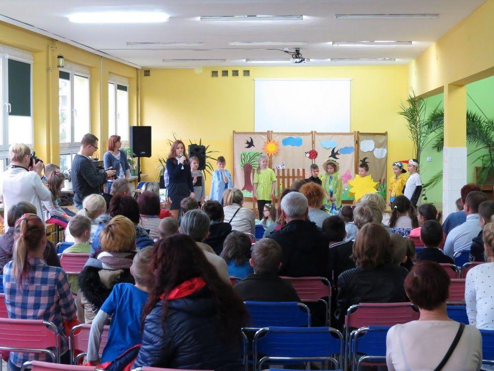 Ilustracja do informacji: Dzień Otwarty w Szkole Podstawowej nr 1 w Żarach