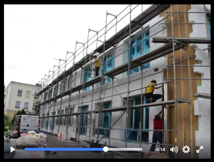 Ilustracja do informacji: Danuta Madej Burmistrz Miasta Żary w Miejskim Przedszkolu nr 10 gdzie trwa termomodernizacja...