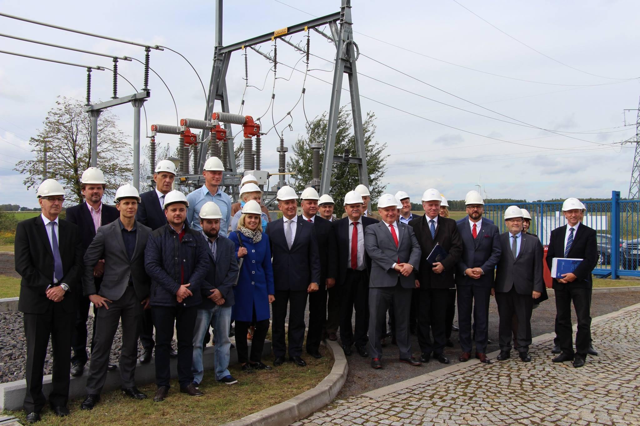 Ilustracja do informacji: Danuta Madej Burmistrz Miasta Żary wzięła udział w uroczystym uruchomieniu linii energetycznej 110 KV relacji Nowogród Bobrzański- Żary
