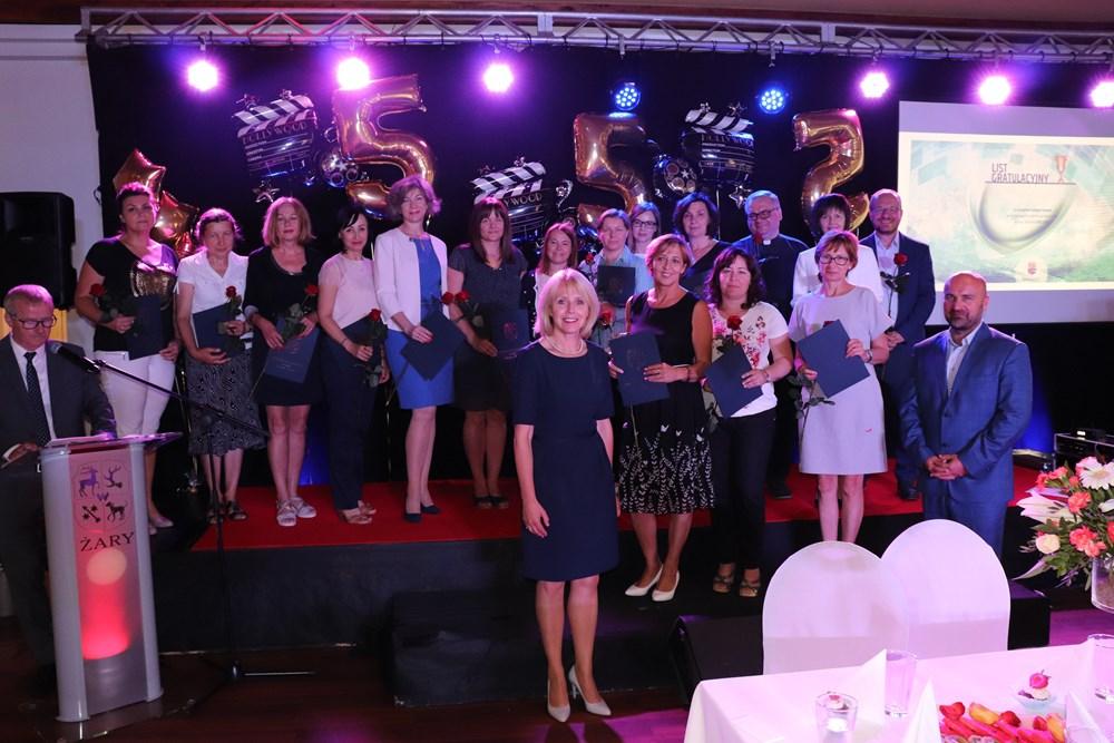 Ilustracja do informacji: Gala rozdania nagród dla wybitnych uczniów w dziedzinie nauki