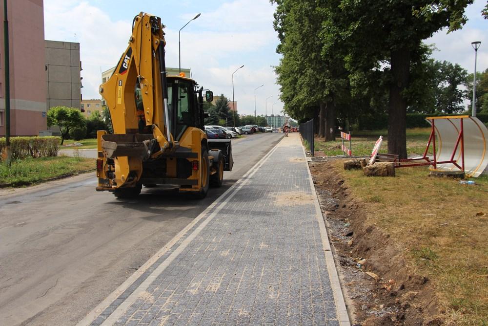 Ilustracja do informacji: Trwa remont chodnika - ul. Paderewskiego