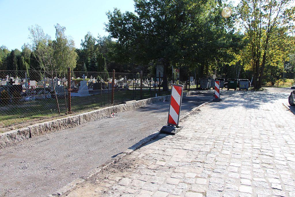 Ilustracja do informacji: Budowa zatok postojowych przy cmentarzu w Kunicach.