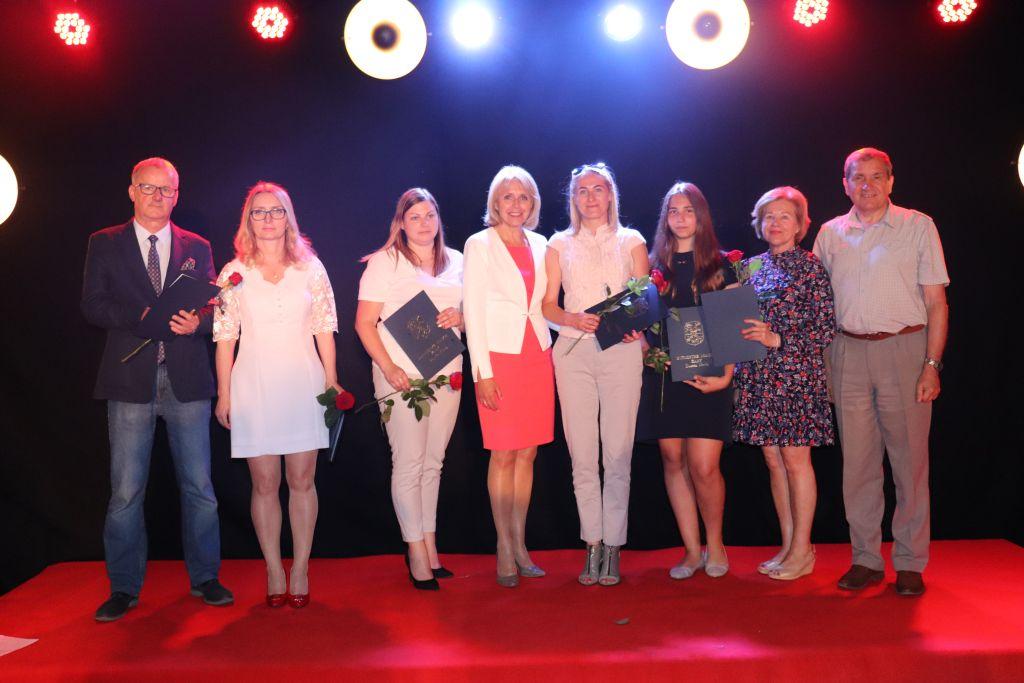 Ilustracja do informacji: Kultura - Nagrody Burmistrza Miasta Żary za rok szkolny 2018/2019