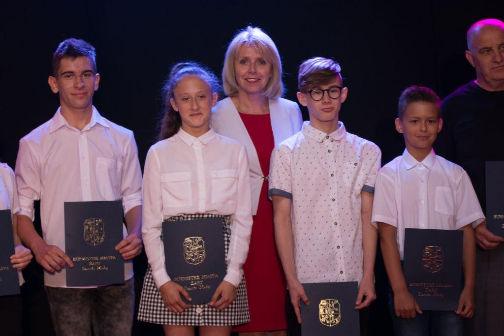 Ilustracja do informacji: Sport - Nagrody Burmistrza Miasta Żary za rok szkolny 2018/2019