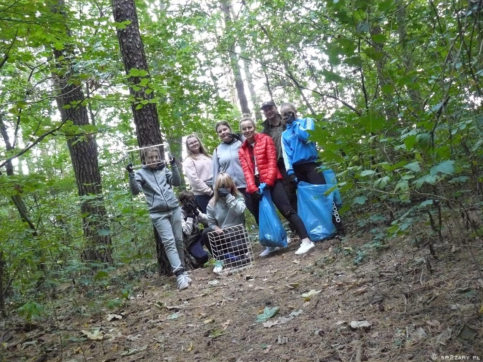 Ilustracja do informacji: Posprzątali las