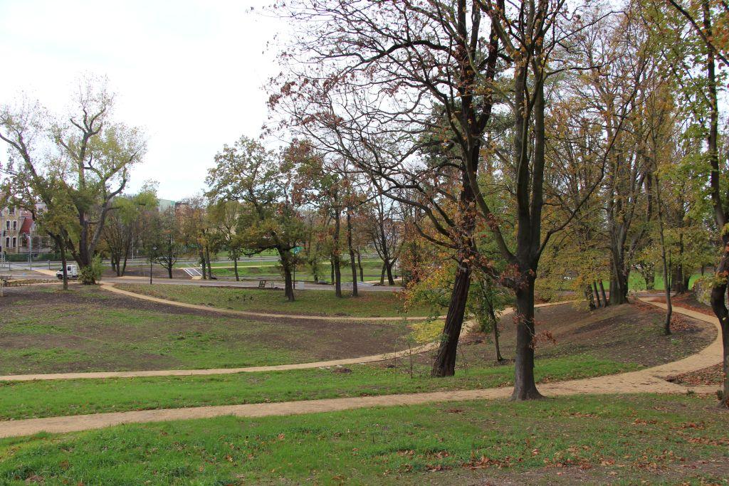 Ilustracja do informacji: Park przy al. Jana Pawła II - ciąg dalszy prac
