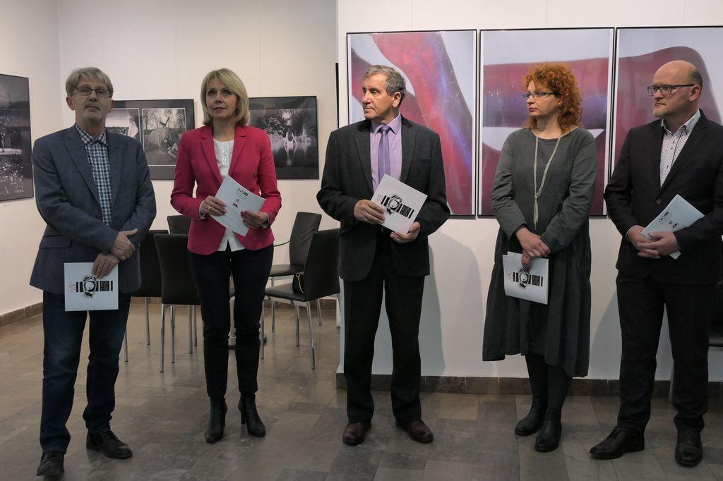 Ilustracja do informacji: Otwarcie wystawy pokonkursowej XXIX Krajowego Salonu Fotografii Artystycznej Żary 2019.