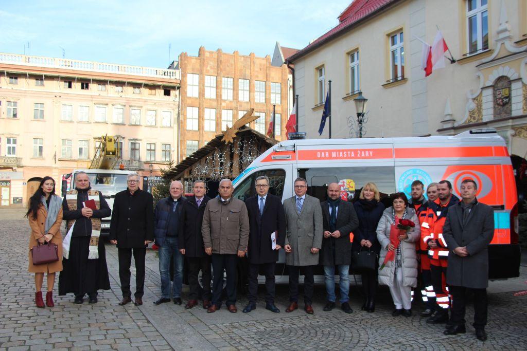 Ilustracja do informacji: Przekazanie nowego ambulansu dla 105. Kresowego Szpitala Wojskowego