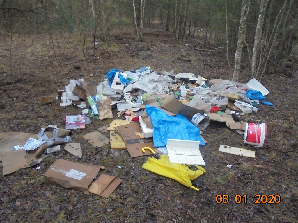 Ilustracja do informacji: Porzucone odpady