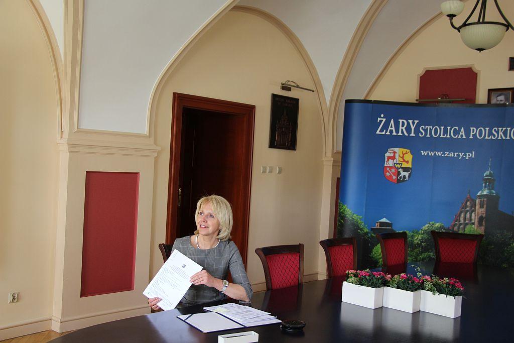 Ilustracja do informacji: Ponad 4 mln złotych płynie do Żar na działania EKO!