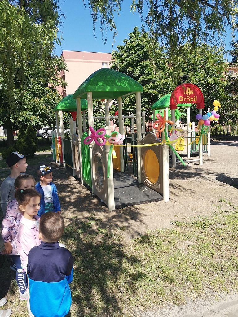 Ilustracja do informacji: Nowy plac zabaw w Przedszkolu nr 10