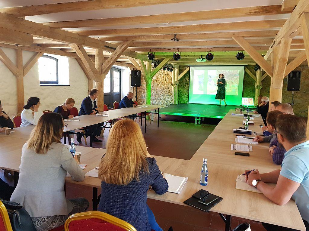 Ilustracja do informacji: Spotkanie konsultacyjne dotyczące problemów gospodarki, zagospodarowania przestrzennego i komunikacji