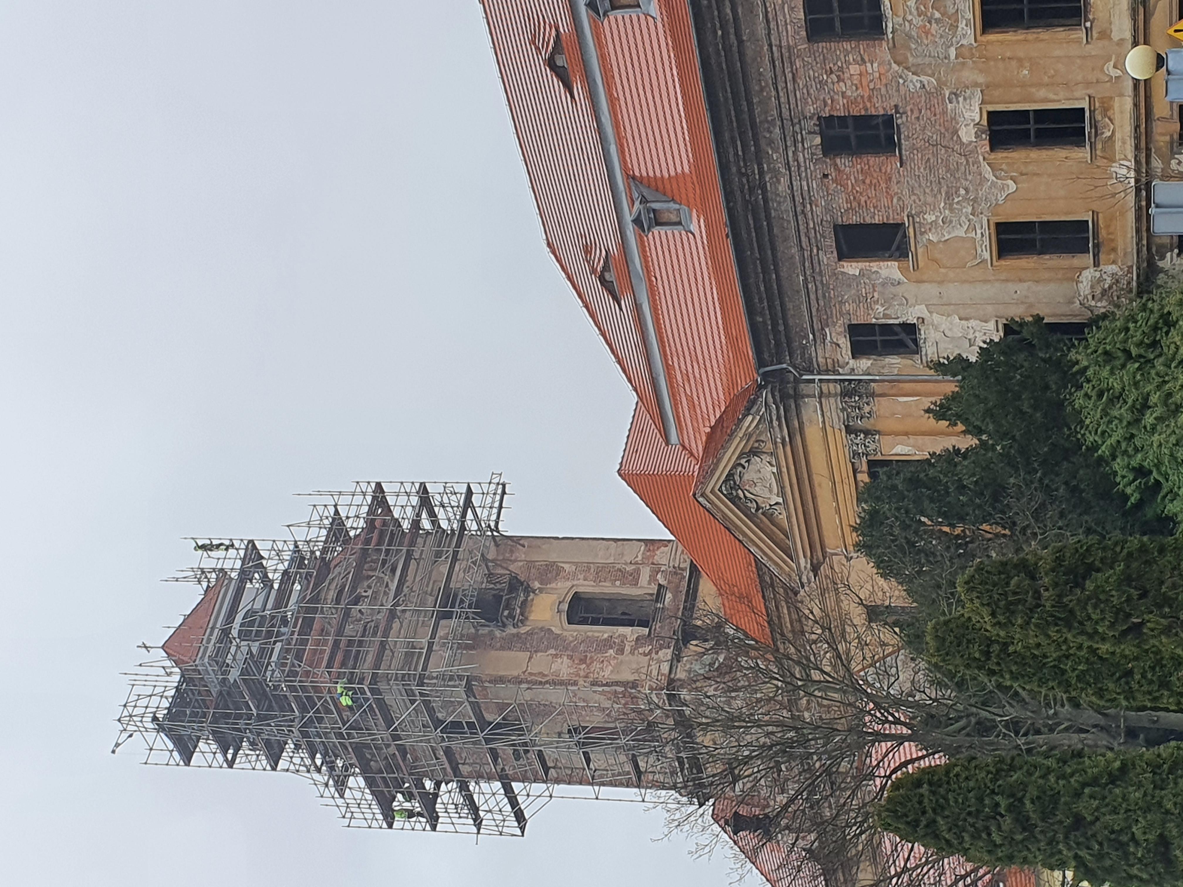 Ilustracja do informacji: Odbudowa wieży na finiszu