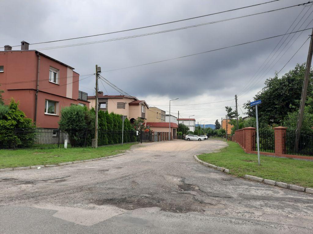 Ilustracja do informacji: Przebudowa drogi ul. Zamojska w Żarach